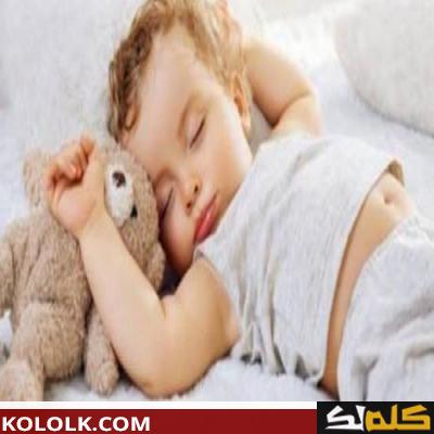 كيف أجعل طفلي الرضيع ينام ليلا