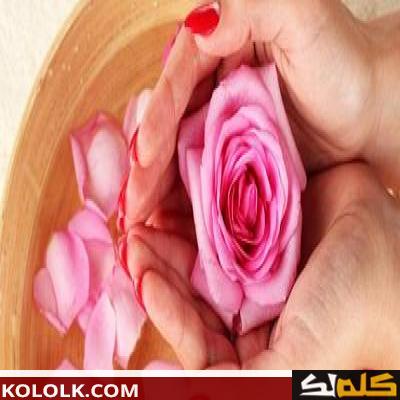 فوائد ماء الورد لبشرة الوجه