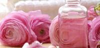 فوائد ماء الورد للرموش