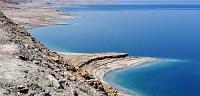 اين يوجد ويقع البحر الميت