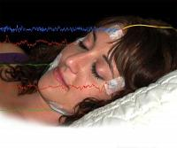 ماذا يفعل دماغك أثناء نومك؟